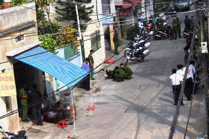 Police at the crime scene in Da Nang in November 2015. Photo: Nguyen Tu