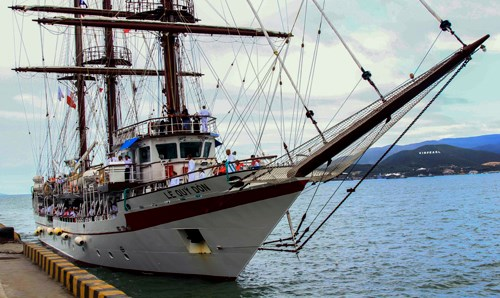 Sailing training ship Le Quy Don arrived in Vietnam 47