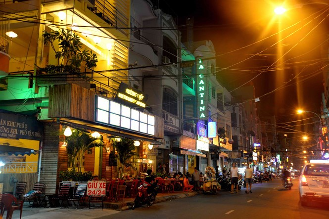 Bui Vien Street, a major street in the backpacker's area. Photo: Diep Duc Minh