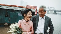 Inspirational photos of Vietnamese homeless couple reveal true beauty of love