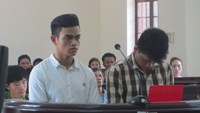 Le Trong Huu (R) and Tong Van Chin at the appeal trial. Photo: Nguyen Long