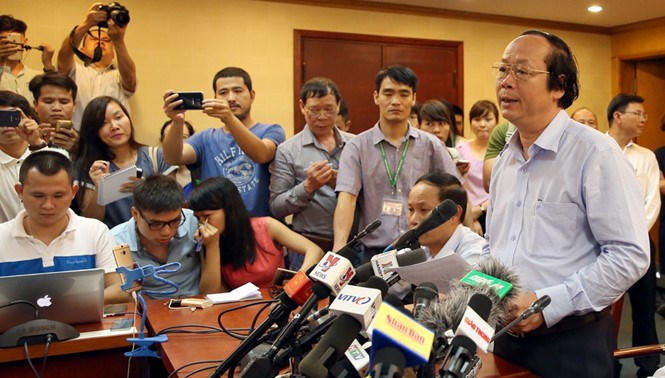 Vo Tuan Nhan, deputy environment minister, speaks at a press conference in Hanoi on April 27, 2016. Photo: Ngoc Thang