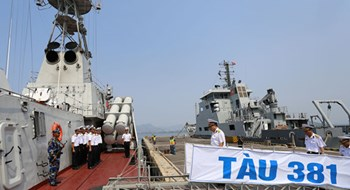 Vietnamese Navy vessel heads for int'l military exercise