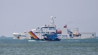 Vietnam warns ships of pirates in Southeast Asian waters