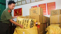 Packages of explosives seized by Quang Nam police. Photo: Hua Xuyen Huynh/Thanh Nien