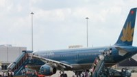 Vietnam Airlines cancels flights to improve airport for bad weather
