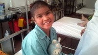 Vietnamese girl beats rare skin disorder to walk again