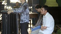 Vietnam sentences two to death in different drug cases