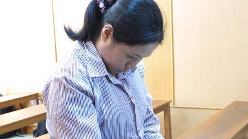 Le Thi Chau Hang, 32, at a Ho Chi Minh City trial June 16 when she received a life sentence for smuggling 2 kilograms of China to the Philippines. Photo: Le Nga