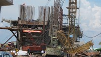 Crane collapse kills two road workers in northern Vietnam