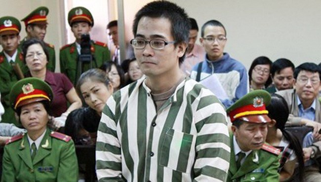 Nguyen Duc Nghia at an appeal court in Hanoi November 11, 2010, when the supreme court upheld the death sentence on his murdering his ex-girlfriend. Photo credit: Tien Phong