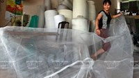 A Hanoi village moves from cottage net weavers to budding industrialists