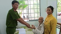 Vietnam cops return robbed cash, gold to well-off beggar