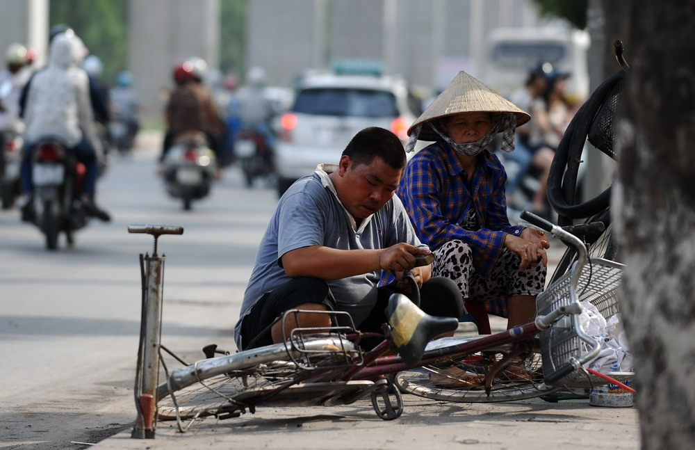 [OPINION] Vietnam: a poor country with rich country problems