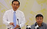 (L-R) Vietnamese government spokesman Nguyen Van Nen and Vice Minister of Industry and Trade Do Thang Hai at a press briefing on August 28, 2014. Photo: Viet Dung/Tuoi Tre