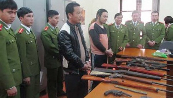 Ly Manh Luc and Nguyen Thai Viet, two illegal gun smiths who sold illicit weapons in northern Vietnam. Photo credit: Tien Phong