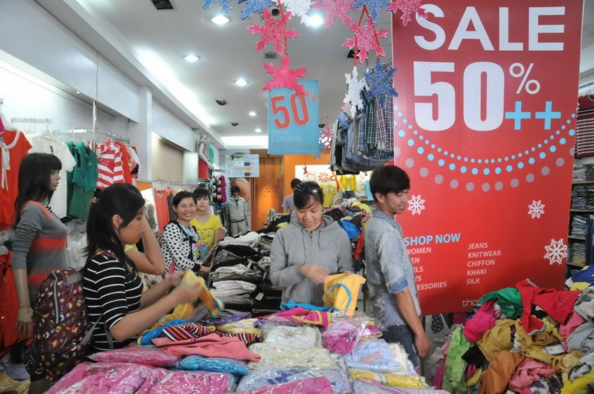 50 percent is Vietnam's maximum markdown. Business insiders said the government's 50 percent discount limit hasn't helped flagging consumption and backed-up stockrooms.Photo: Diep Duc Minh