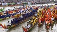 A traditional Khmer boat race on the Mekong River in Vietnam. Photo credit: Vietnamplus