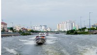 A speedboat used for touring in Ho Chi Minh City. Photo credit: TBKTSG