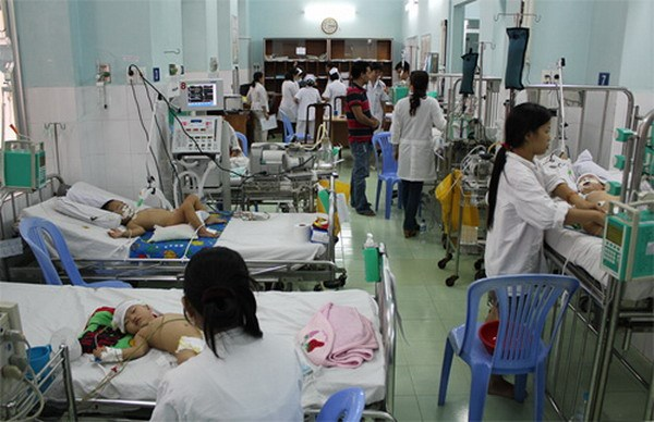 Children suffering from hand-foot-and-mouth disease at a hospital in Ho Chi Minh City in September 2014. Photo: Nguyen Mi