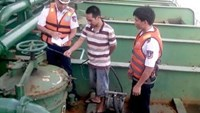 Vietnamese Coast Guard inspectors find thin evidence in pirate attack