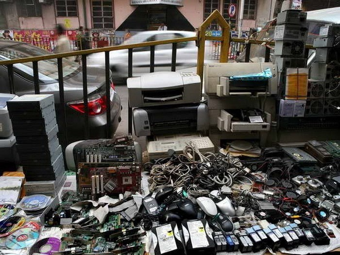 Electronic waste has become a dangerous threat to the global environment. Photo credit: EPA/Vietnam News Agency