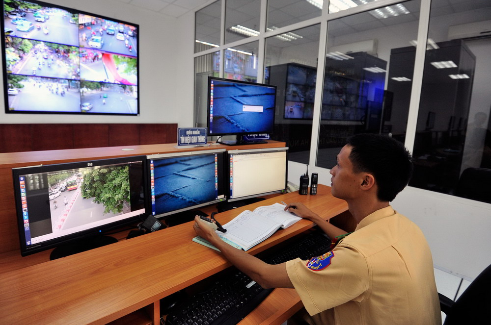 Downtown Hanoi to have 450 smart traffic cameras by 2015