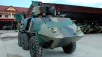 Vietnamese mechanic honored for upgrading armored vehicles for Cambodia