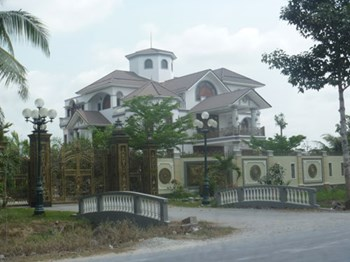 The villa of former chief government inspector Tran Van Truyen in Ben Tre Province. Photo: Nguyen Khoa Chien