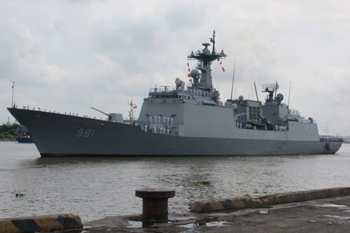 South Korean destroyer ROKS Choe Yeong in Ho Chi Minh City on December 3, 2014. Photo: Van Khoa