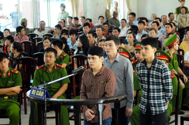 The three murderers being tried in Dong Nai Province on December 26, 2014. Photo credit: Tuoi Tre