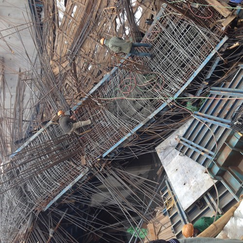 Ruins as frames and concrete collapsed at a Hanoi elevated railway project on December 28, 2014. Photo: Dan Ha