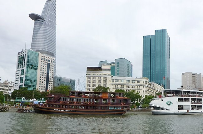 Restaurant boats on the Saigon River. Photo credit: TBKTSG
