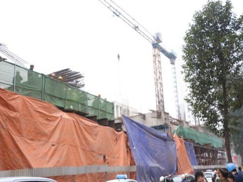 Chinese builder ordered to clean house after second railway collapse in Hanoi