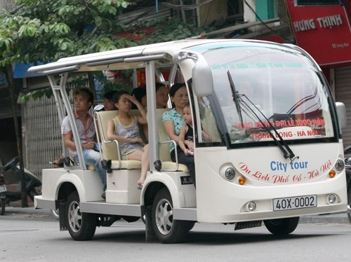 An electric bus in Hanoi, which carries tourists around the Old Quarter and the West Lake. Photo: Ngoc Thang