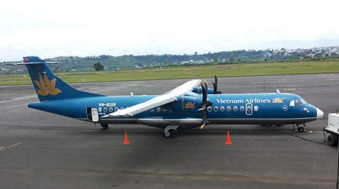 A Vietnam Airlines aircraft at Pleiku airport in Gia Lai Province. Photo credit: Tuoi Tre