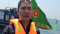Da Nang fisher Truong Van Phuong tells of the illegal appearance of a Chinese boat in local waters on March 7, 2015. Photo: Ba Vinh
