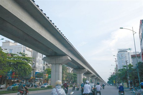 Hanoi's first elevated railway has been halted after a Japanese firm admitted to having bribed Vietnamese officials to secure the project. File photo