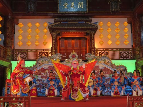 A performance at Hue's royal theater Duyet Thi Duong. Photo: Bui Ngoc Long
