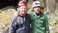 Vietnamese, British explorers honored by state for discovery of world's largest cave