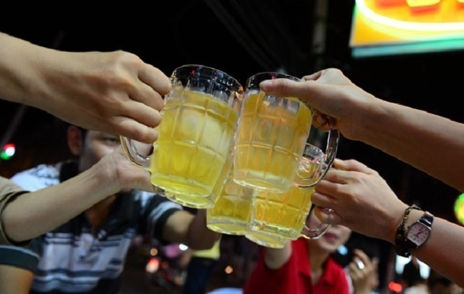 Vietnamese are among the heaviest drinkers in Southeast Asia. File photo
