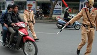 Vietnamese policeman demoted for shooting traffic violator with rubber bullet