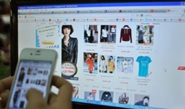 Vietnamese retailers fail to savvy growing trend of online shopping on phone
