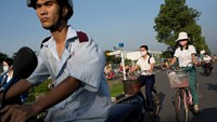 Vietnam looks to rein in public fat cats amid growing backlash