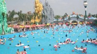 The artificial ocean at Suoi Tien theme park in Ho Chi Minh City. File photo