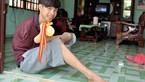 Nothing's impossible: Vietnamese teen boy does it all without arms