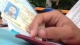 Hanoi traffic officer caught on video throwing driver's papers away