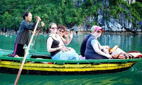 Foreign tourists in Vietnam. Photo credit: Voice of Vietnam