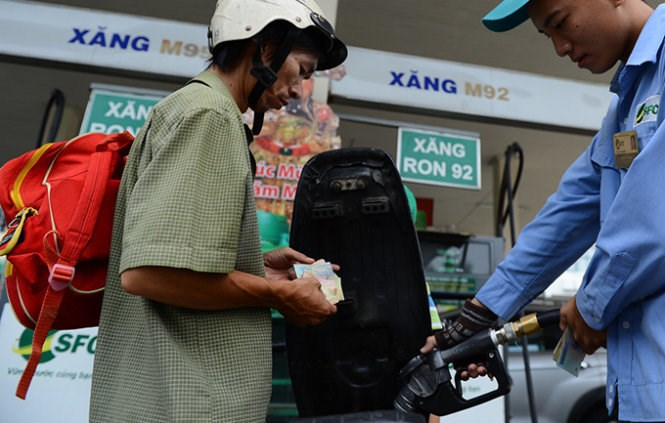 Vietnam raises retail gasoline prices for the fourth time this year on June 19, 2015. File photo
