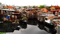 A slum area around a canal in District 8. Photo credit: VnExpress